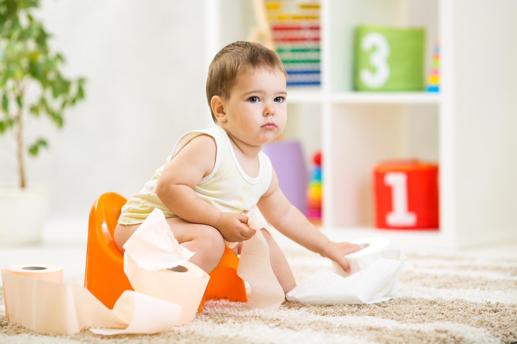 Krew w kupce niemowlaka - co oznacza?
