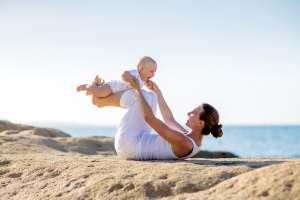 Ćwiczenia fizyczne wykonywane z dzieckiem