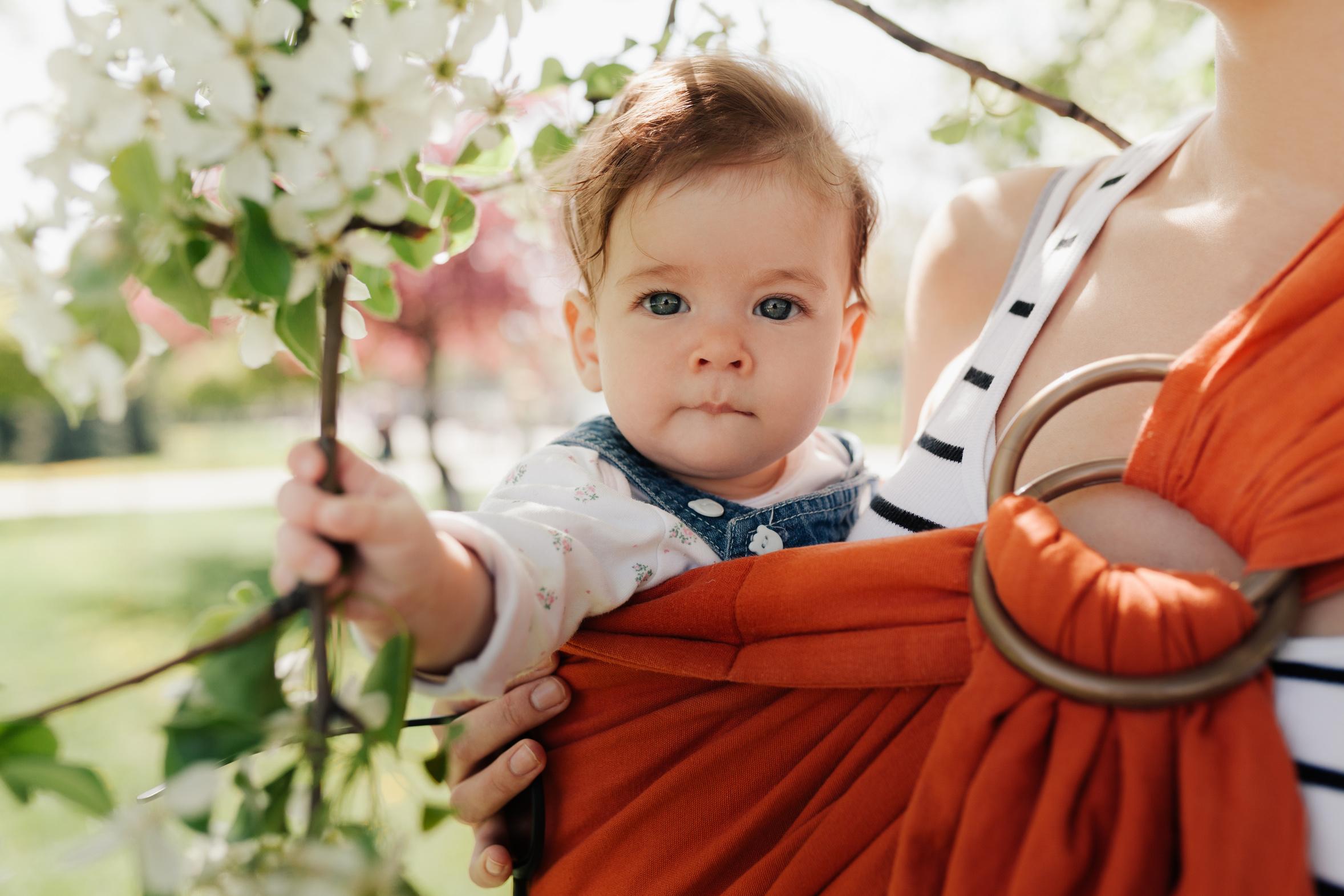 Jakie nosidełko wybrać dla dziecka?