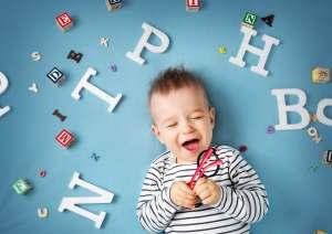 kiedy dziecko powinno zacząć mówić - ważne informacje