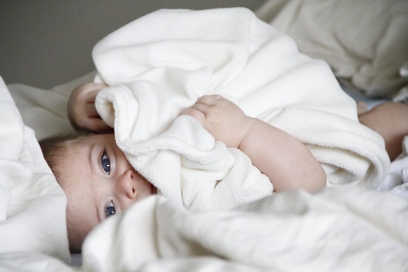 Biały katar u dziecka - co oznacza?
